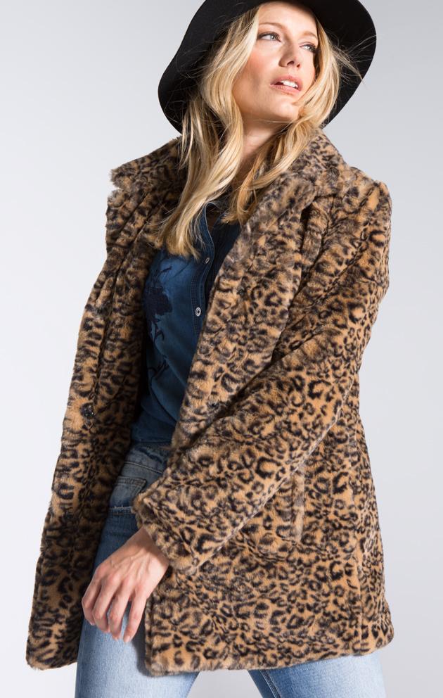 El abrigo de mujer: exuberante